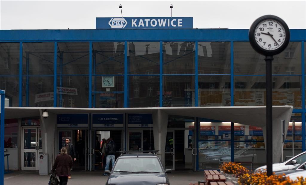 temporary_station_katowice_01b