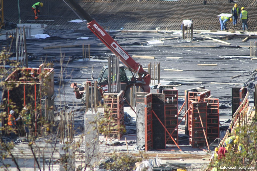 Construction work on the new Railway Station and Galeria Katowicka