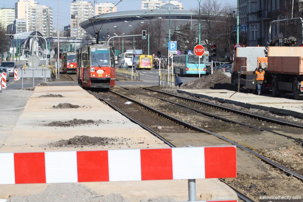 Preparatory works on a temporaty tram stop near Moniuszki St.