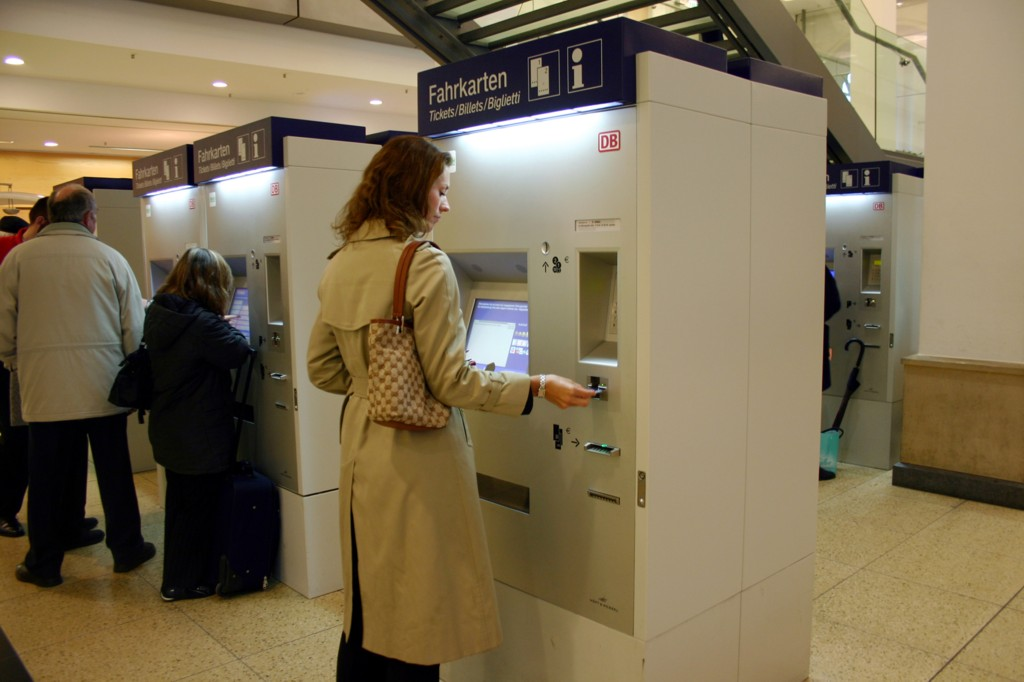 """© Hoeft & Wessel; the """"almex.station"""" ticketing vending machines (TVM's), the same type of units is ordered for the Silesia agglomeration"""