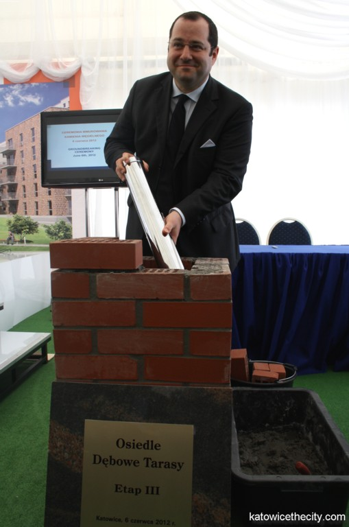 Cornerstone ceremony of the third phase of Oak Terraces