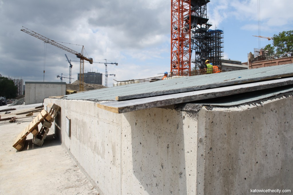 Works on the Silesian Museum's new seat, concrete structure where the glass boxes will be installed