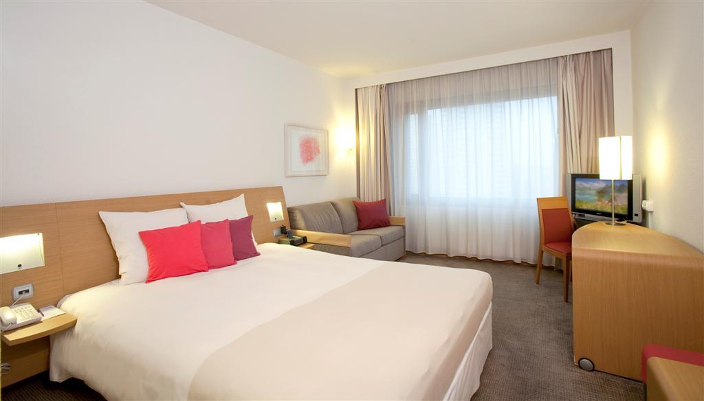 © Orbis Hotel Group; new room's interiors of Novotel Katowice Centrum