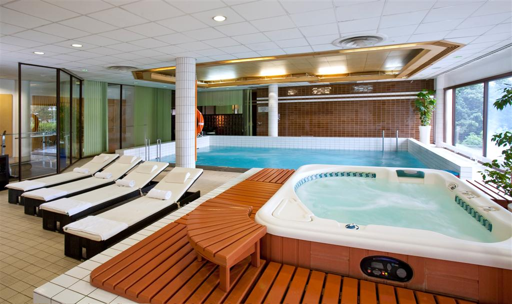 © Orbis Hotel Group; new swimming pool of Novotel Katowice Centrum