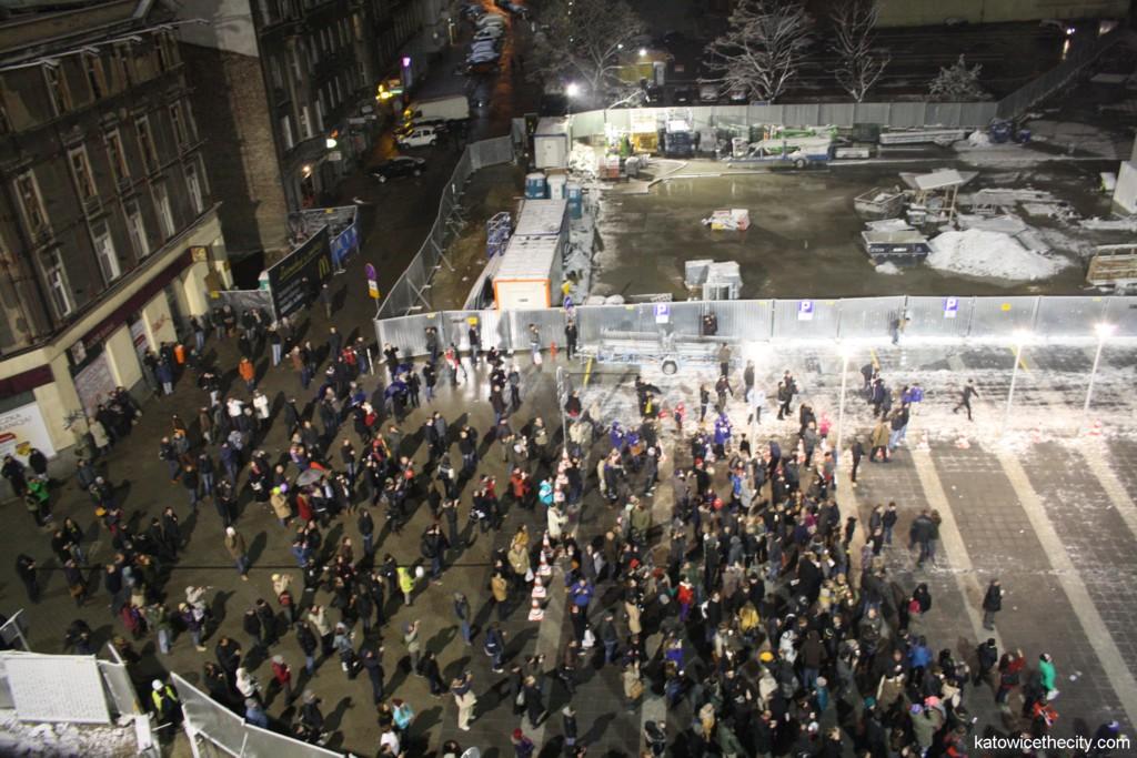 People gathered at Szewczyka Sq.