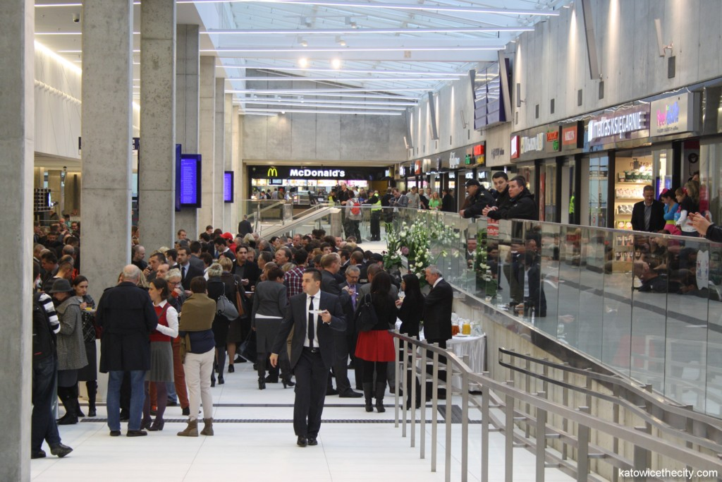 Great opening of the new Railway Station hall