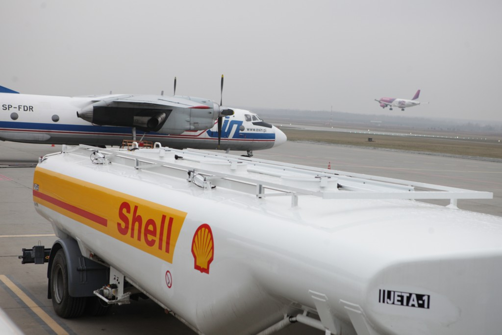 © Shell Aviation; the company started supplying fuels to Katowice International Airport in early January 2013