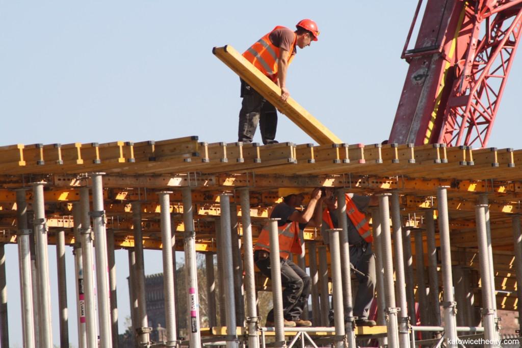 Construction work on the footbridge over Olimpijska St.